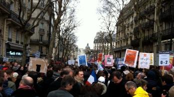 On rue Saint-Antoine