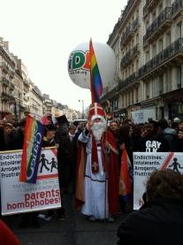 Saint Nicholas teaches an important lesson about homophobic parents ...