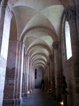 The north lateral nave, La Basilique St-Sernin