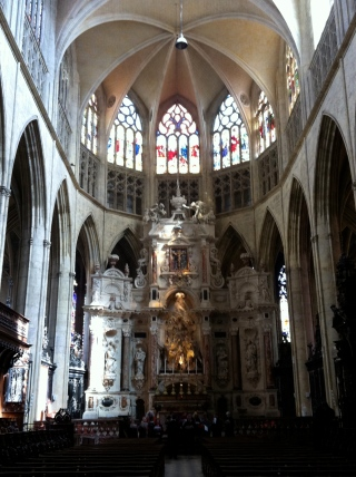 The nave of La Cathédrale St-Étienne