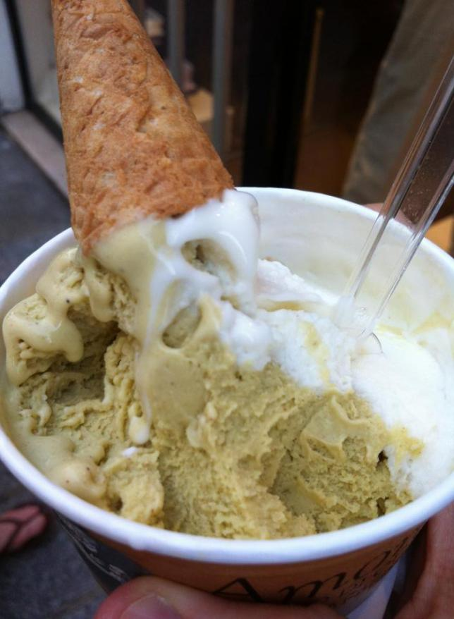 More ice cream from Amorino: pistachio and yogurt