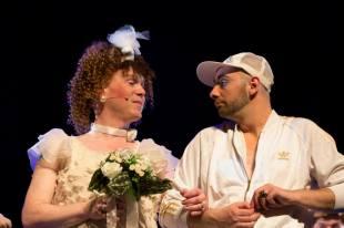 Babydog and François in Les Caramels Fous's production of Pas de Gondoles pour Denise